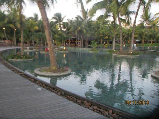 Trou aux Biches Beachcomber Golf Resort & Spa: Main pool side