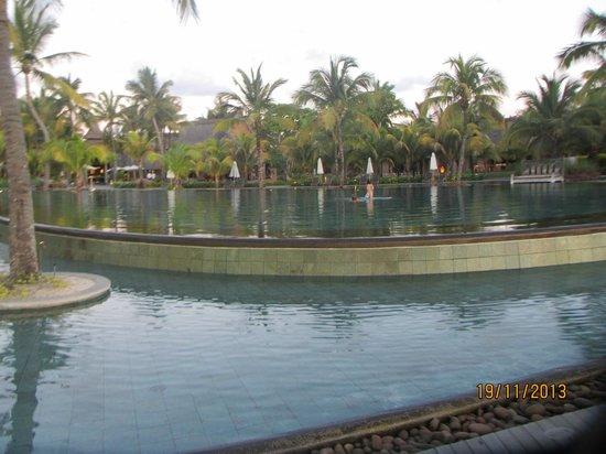 Trou aux Biches Beachcomber Golf Resort & Spa: Poolside