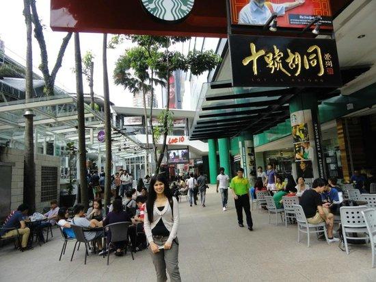 Bintang Walk : Side-walk restaurants