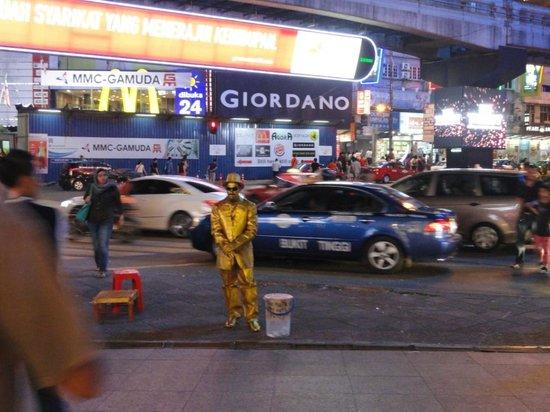 Bintang Walk : a busker on the street