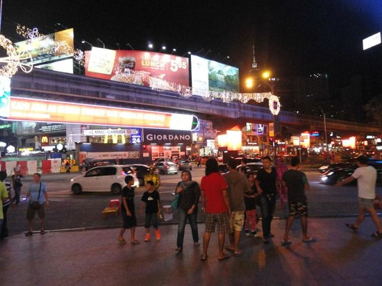 Bintang Walk : night time at Bintang