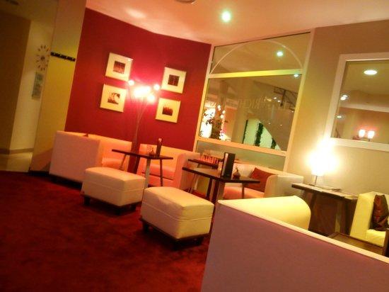 Le Richebourg: Salon confortable