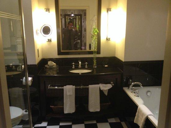 Sofitel London St James: Bathroom
