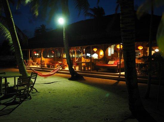 Marjoly Beach Resort: Restaurang/bar