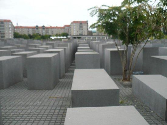 Mémorial aux Juifs assassinés d'Europe : IL LABIRINTO