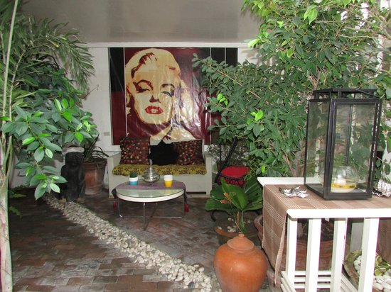 Island's Leisure Boutique Hotel and Spa - Dumaguete : Always a Marilyn Fan!!!!