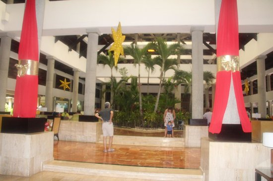 Bavaro Princess All Suites Resort, Spa & Casino: Лобби