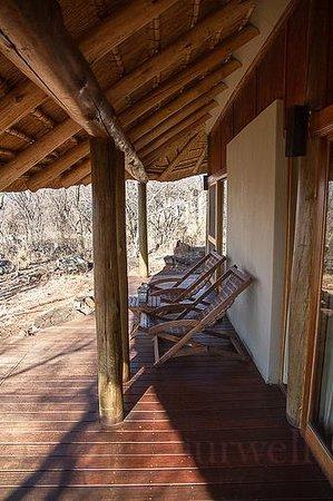 Buffalo Ridge Lodge: the deck