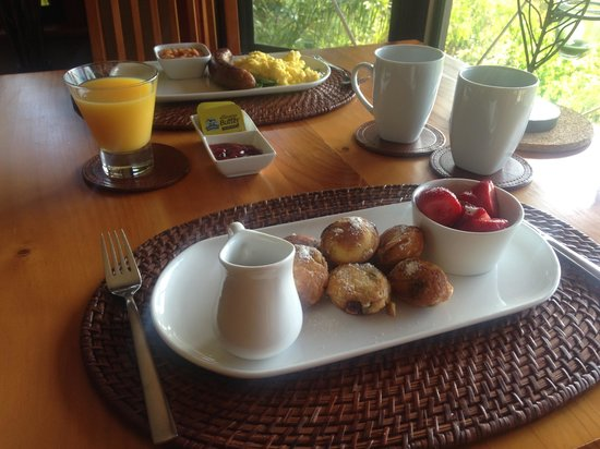 HideAway Haven: Breakfast