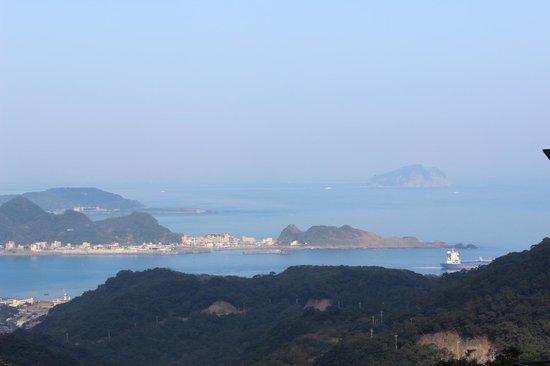 Yu-Hua-Shan-Zhuang : 出港的船