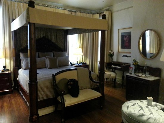 Stonehurst Place: Our room