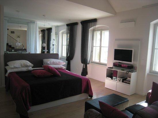 Riva Luxury Suites: Luxury Suite