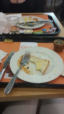 Holiday Inn Express London-Watford Junction: not the best complimentary breakfast