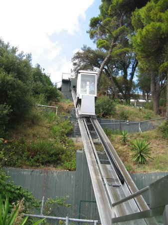 Corfu Holiday Palace: Cable car to the beach