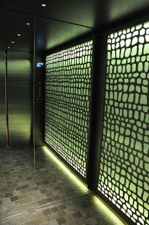 JW Marriott El Convento Cusco: El ascensor es precioso por dentro..