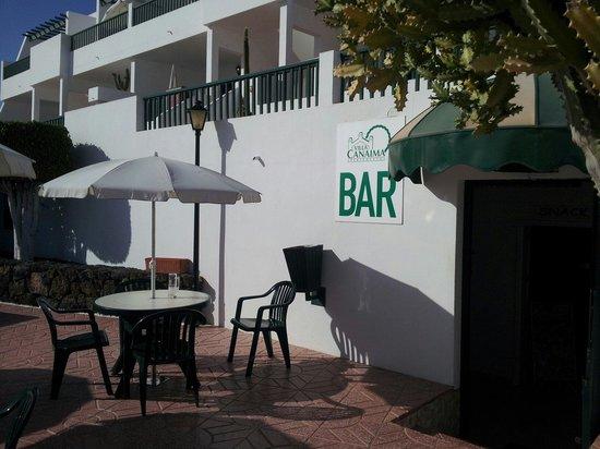 Apartamentos Villa Canaima: Bar entrance at Villa Canaima