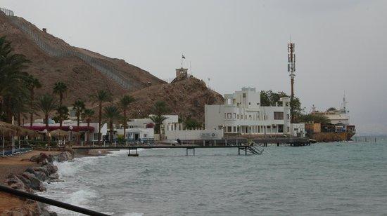 Hilton Taba Resort & Nelson Village : Граница с Израилем