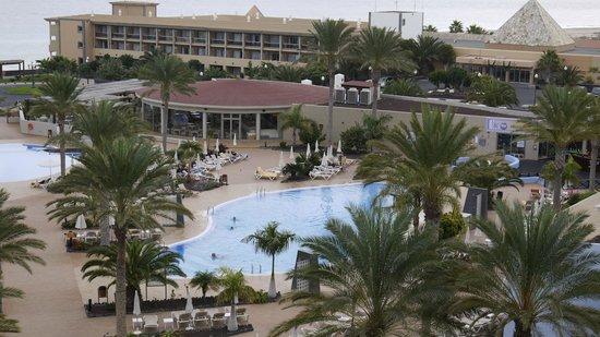 IBEROSTAR Playa Gaviotas Park: Zimmeraussicht auf Pool und Mittagsrestaurant