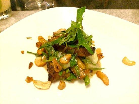Cuisine Wat Damnak : Honey roasted pork breast and tiger eggplant salad