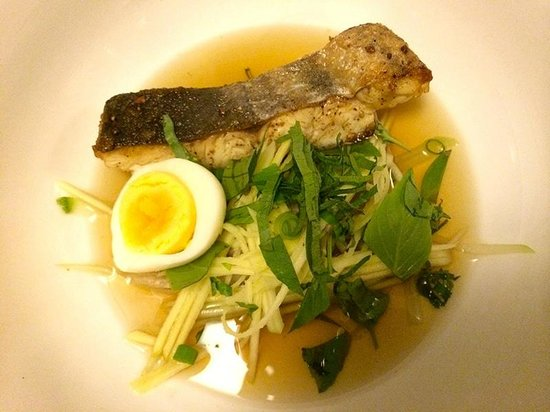 Cuisine Wat Damnak: Sanday fish soup, green mango, water lily stem and dry fish broth