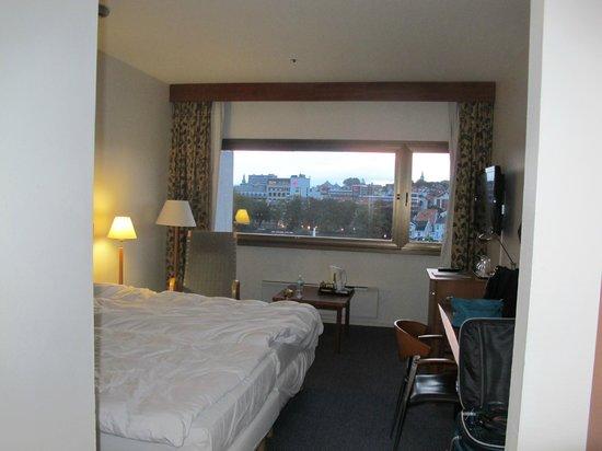 Radisson Blu Atlantic Hotel: Room facing window