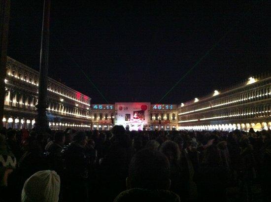 Hotel Al Duca di Venezia : Décompte de nouvel-an sur la place Saint-Marc