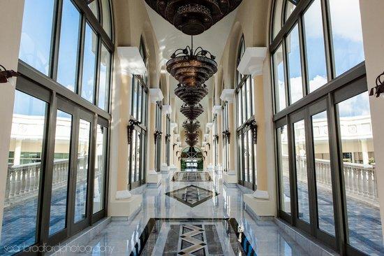 Iberostar Grand Hotel Paraiso: first walkway towards the rooms