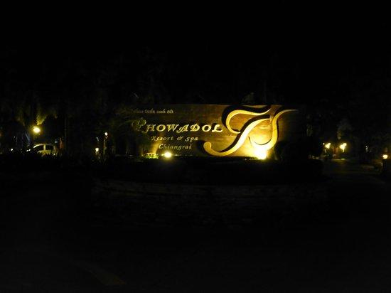 Phowadol Resort and Spa: Einfahrt zur Anlage