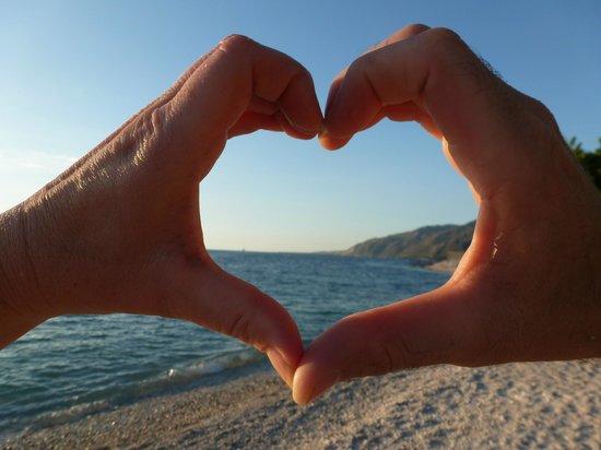Kaliko Beach Club All-Inclusive Resort: hands in Haiti