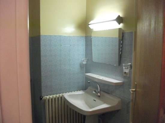 Le Castelet Hotel: baño