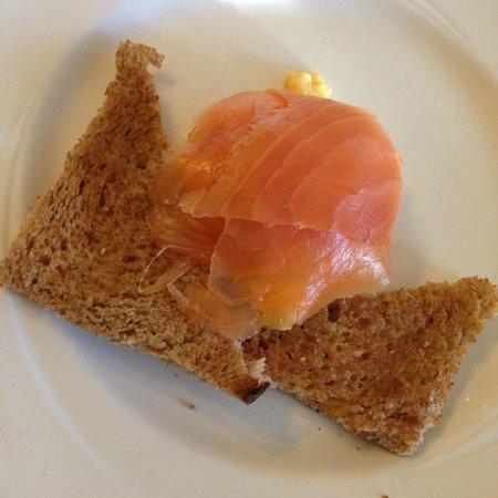Chestnuts House : Colazione smoked salmon