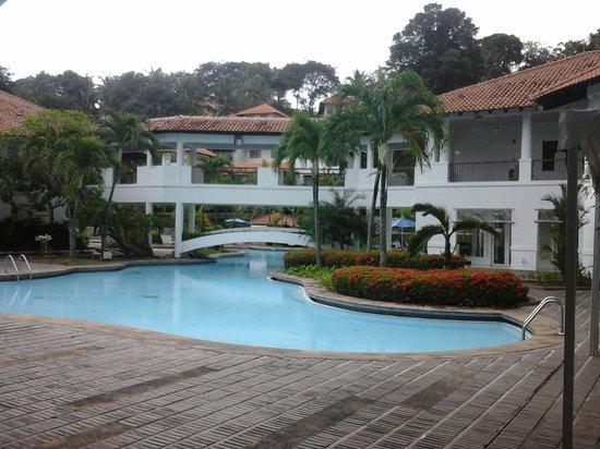 Nongsa Point Marina & Resort : Swimming pool...