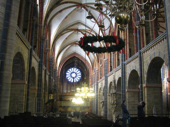 Dom St. Petri: Central nave