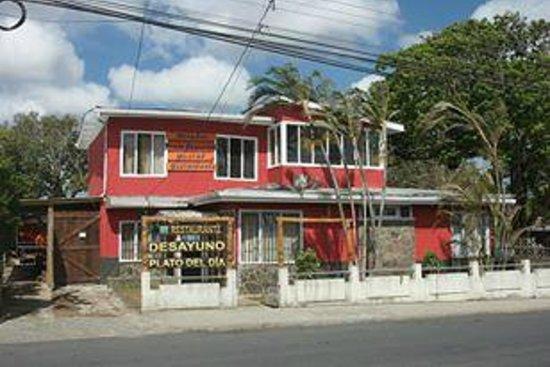 Punta Descartes Hotel: Vue exterieure de l'hotel....