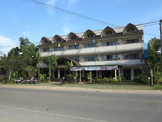 Thip Residence Boutique Hotel : General view of hotel