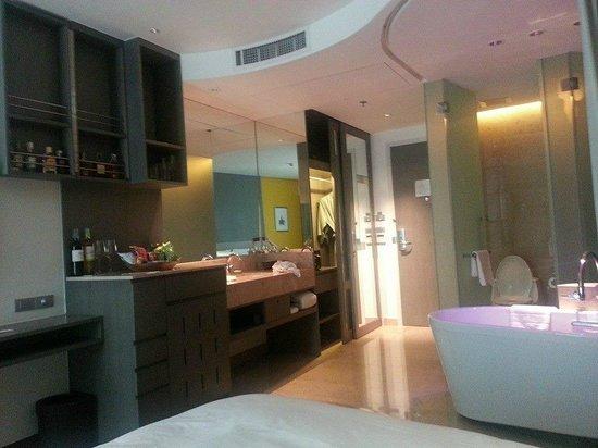 LiT BANGKOK Hotel: Room 4F