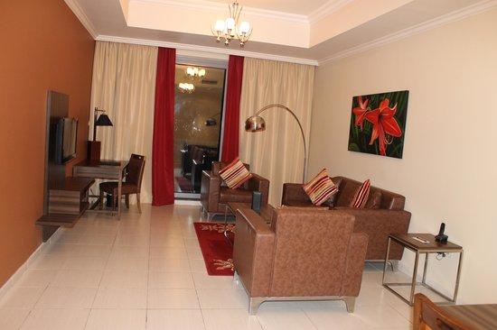 Abidos Hotel Apartment Dubailand : Salone