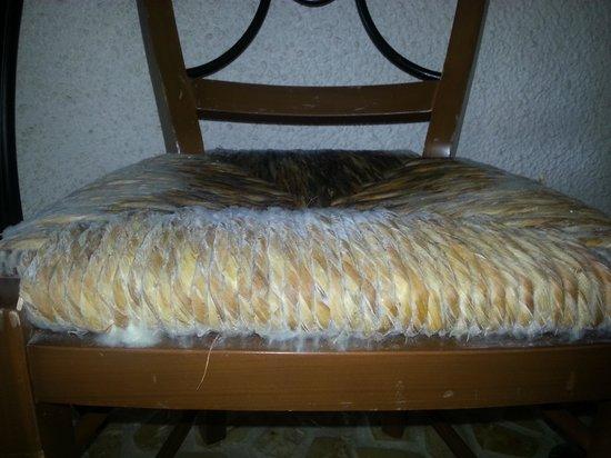 Iberostar Cozumel: moldy chair