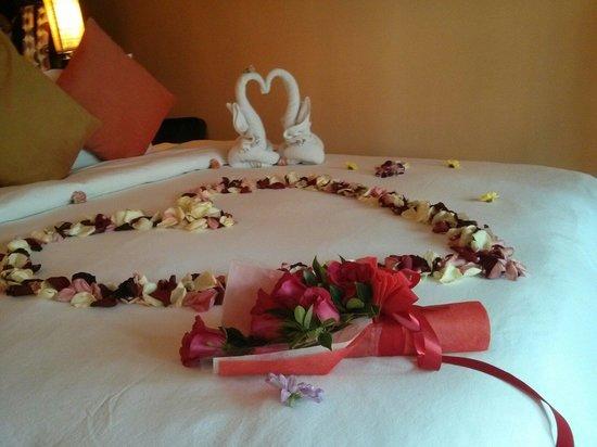 Baan Haad Ngam Boutique Resort & Villas : Honeymoon welcoming :)