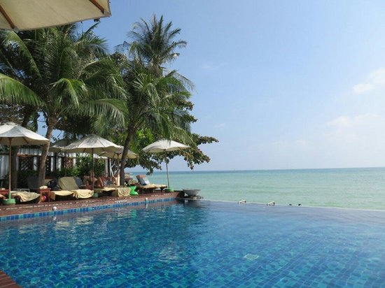 Baan Haad Ngam Boutique Resort & Villas : The pool