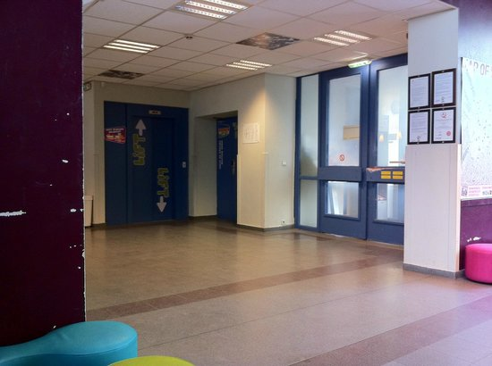 Jacques Brel Youth Hostel : Hall of entrance