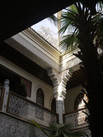 Riad Dar al Kounouz : the courtyard