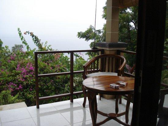 Paradise Bungalows Bali: Die Terrasse mit herrlichem Ausblick