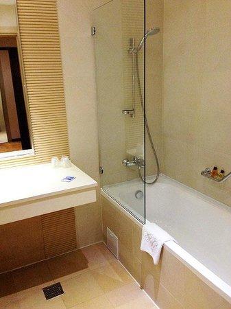 RIN Grand Hotel: Ванная