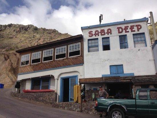 Saba Deep Dive Center: Dive shop