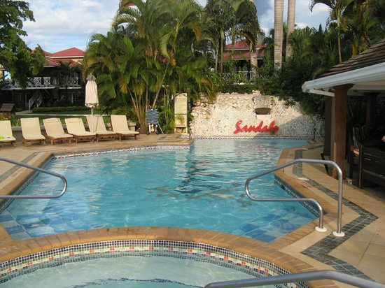 "Sandals Negril Beach Resort & Spa : SN ""Other Pool"""