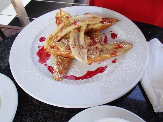 Fournos Bakery: French toast with bananas