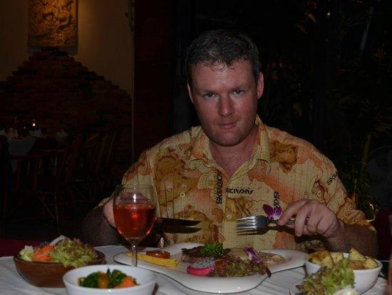 Carnivore Steak and Grill : Steak