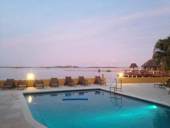 Augusta Bay Bahamas : Pool