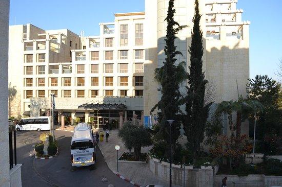 Addar Hotel: вид из номера на соседний  Olive Tree Hotel